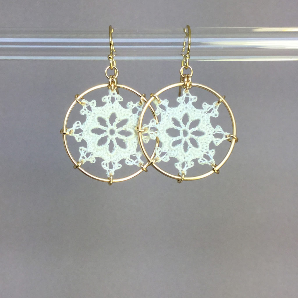 Nautical earrings, gold, white thread