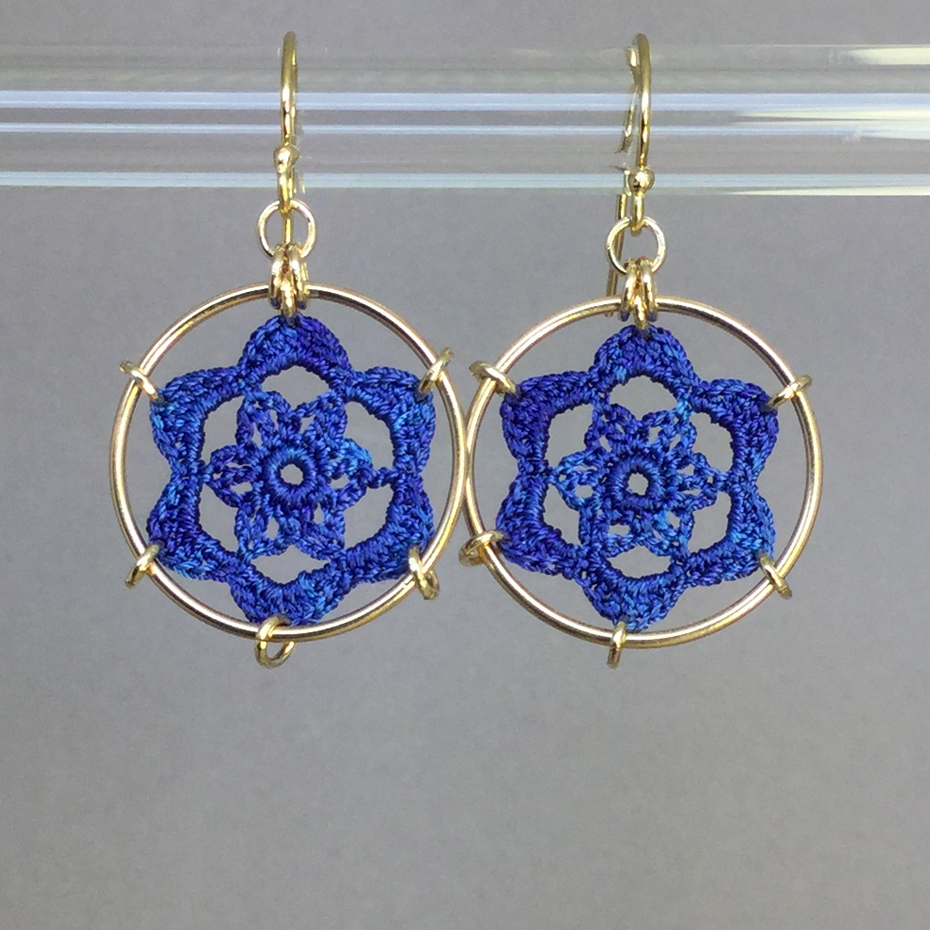 Peony earrings, gold, blue thread
