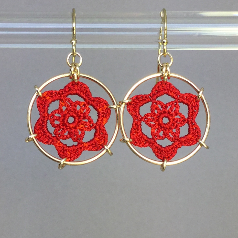 Peony earrings, gold, red thread