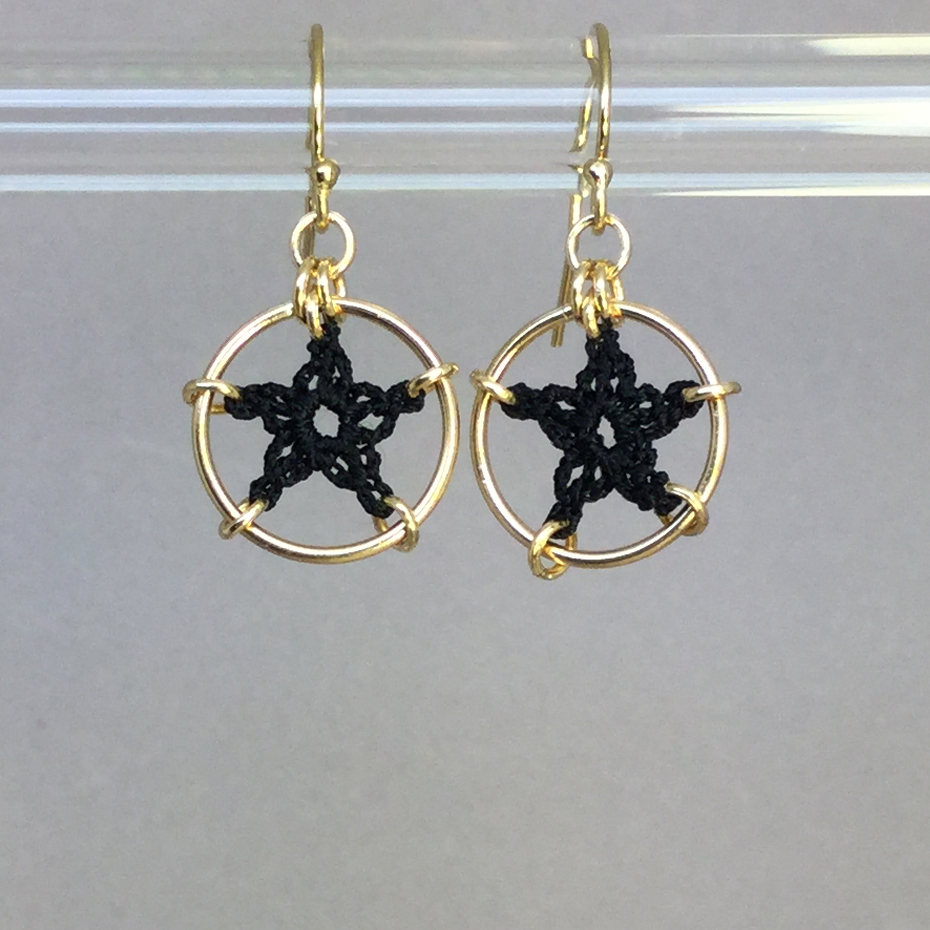 Stars earrings, gold, black thread