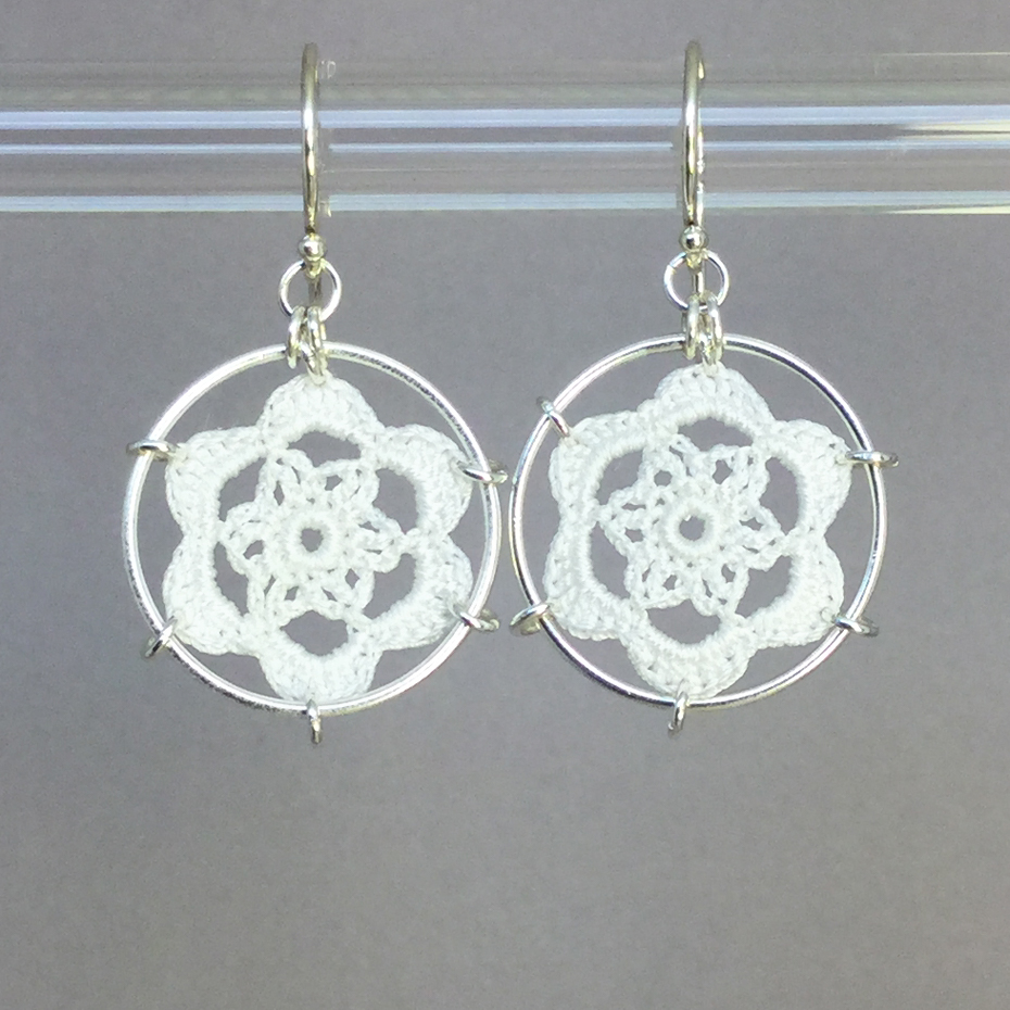 Peony earrings, silver, white thread