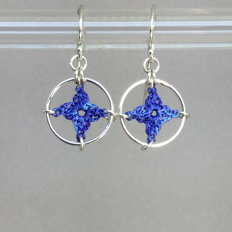 Spangles 1 earrings, silver, blue thread