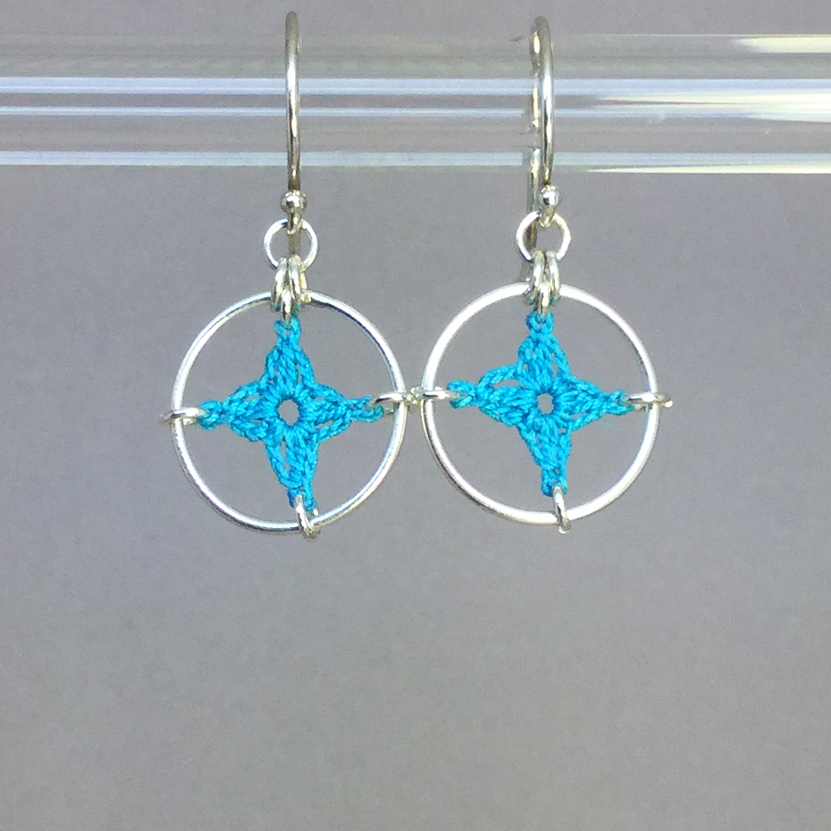 Spangles 1 earrings, silver, turquoise thread