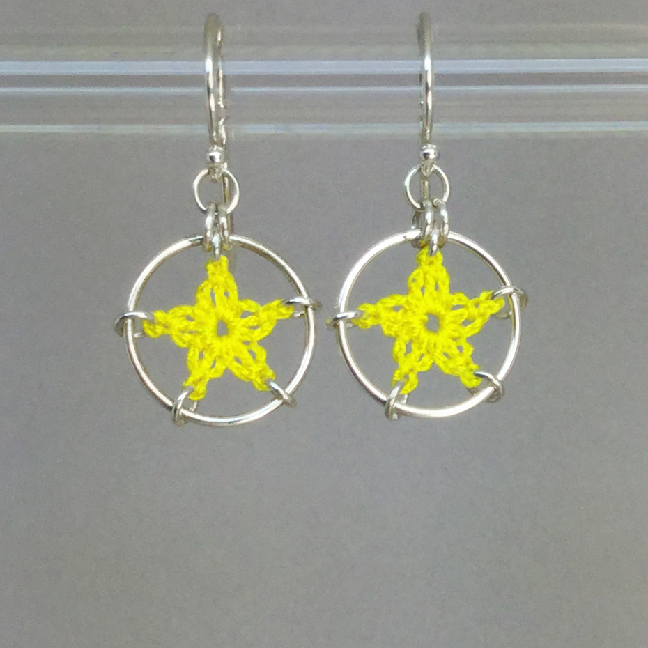 Stars earrings, silver, yellow thread