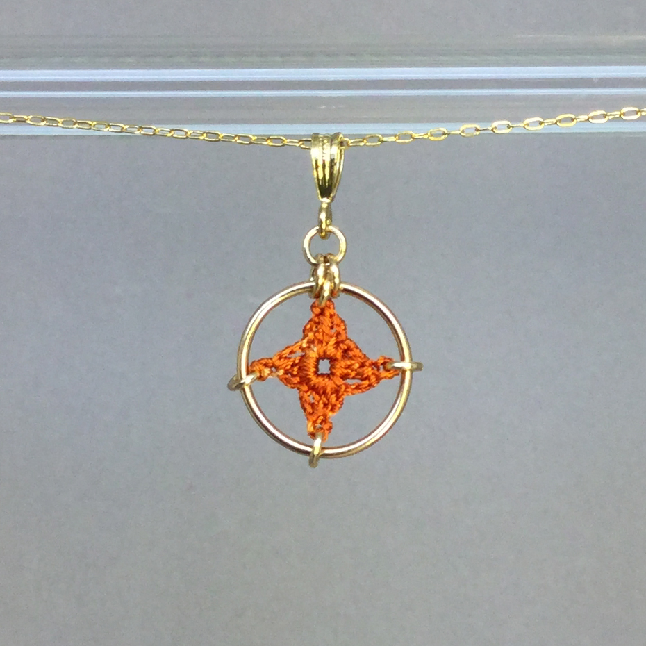 Spangles 1 necklace, gold, orange thread