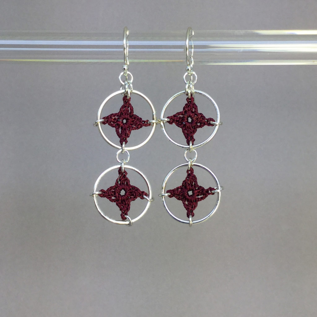 Spangles 2 earrings, silver, maroon thread