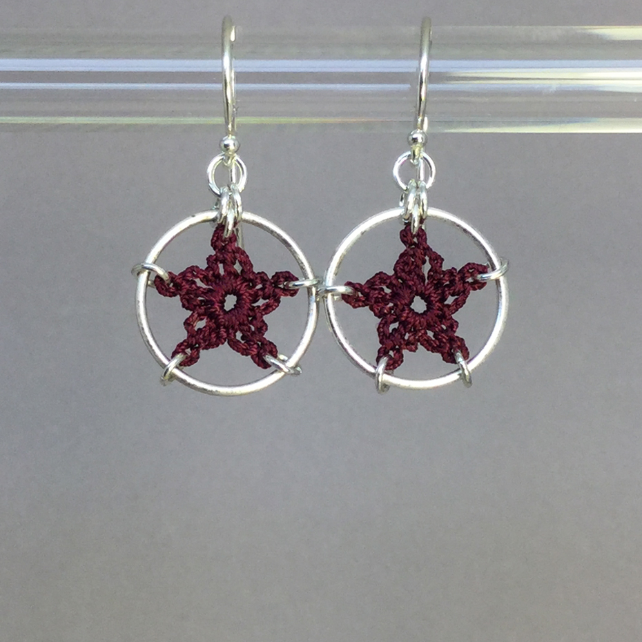 Stars earrings, silver, maroon thread