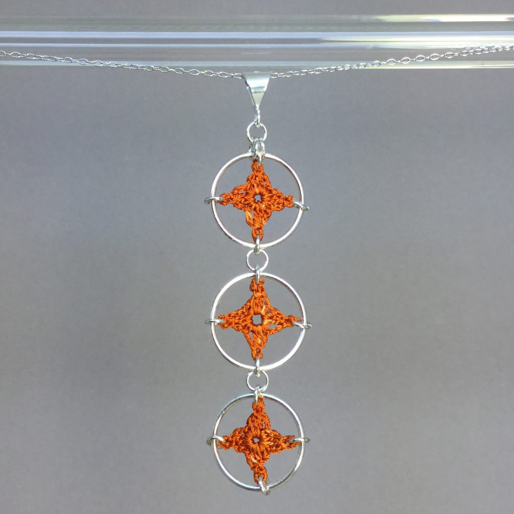 Spangles 3 necklace, silver, orange thread