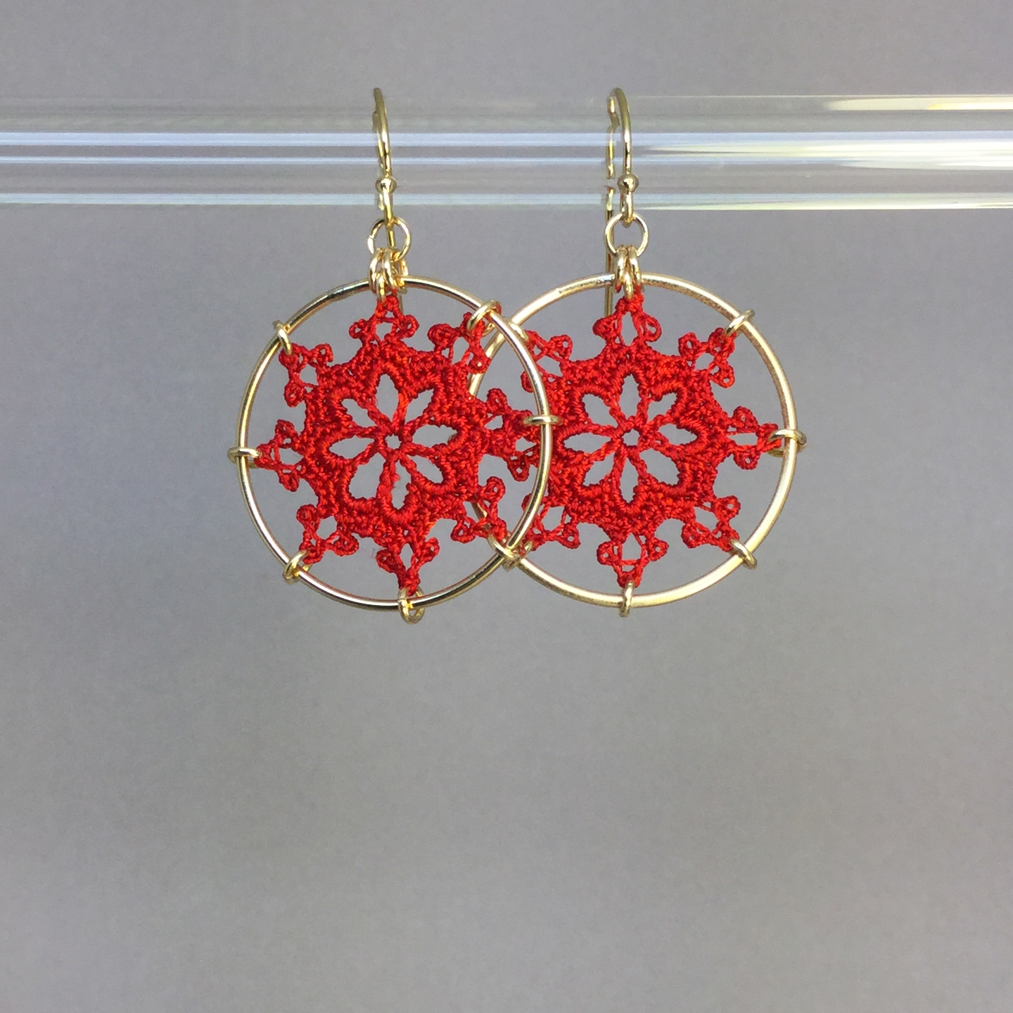 Nautical earrings, gold, red thread