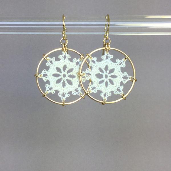 Nautical earrings, gold, white thread