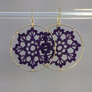 Scallops earrings, gold, purple thread