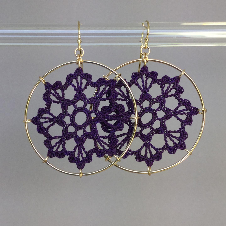 Scallops earrings, gold, purple thread