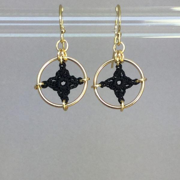 Spangles 1 earrings, gold, black thread