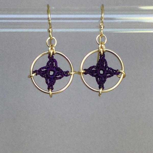 Spangles 1 earrings, gold, purple thread