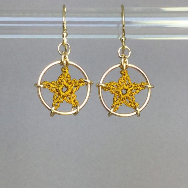 Stars earrings, gold, ochre thread