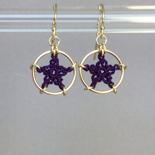 Stars earrings, gold, purple thread