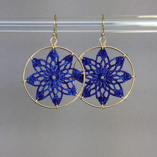 Tavita earrings, gold, blue thread