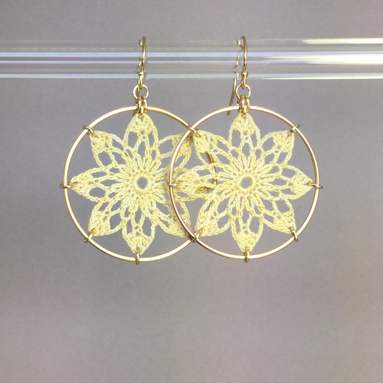 Tavita earrings, gold, ivory thread