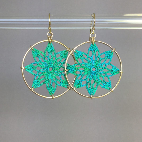 Tavita earrings, gold, shamrock green thread