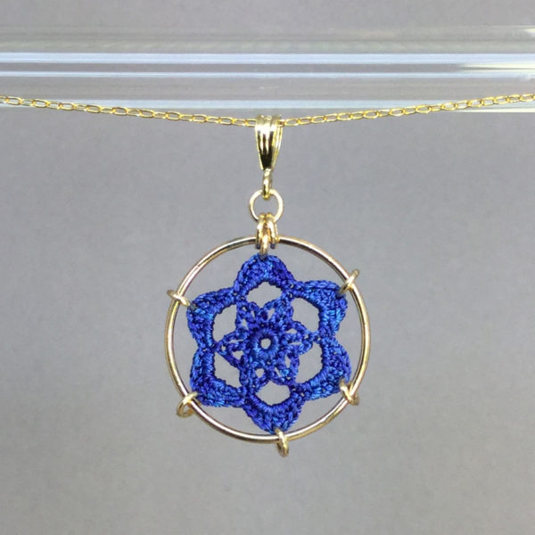 Peony necklace, gold, blue thread
