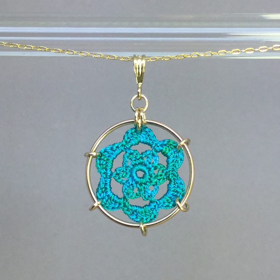 Peony necklace, gold, shamrock green thread