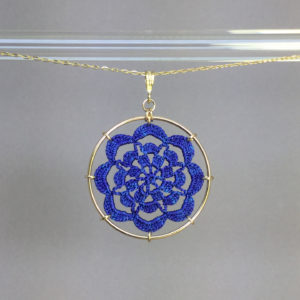 Serendipity necklace, gold, blue thread