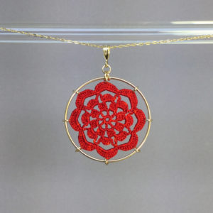 Serendipity necklace, gold, red thread
