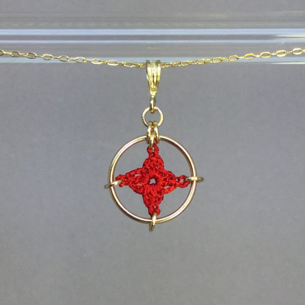 Spangles 1 necklace, gold, red thread