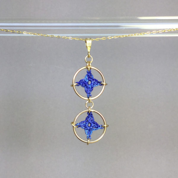 Spangles 2 necklace, gold, blue thread