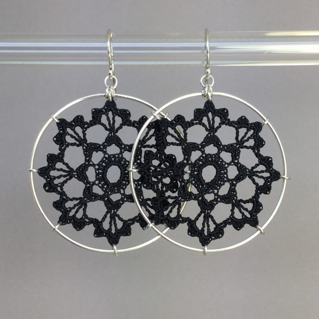 Scallops earrings, silver, black thread