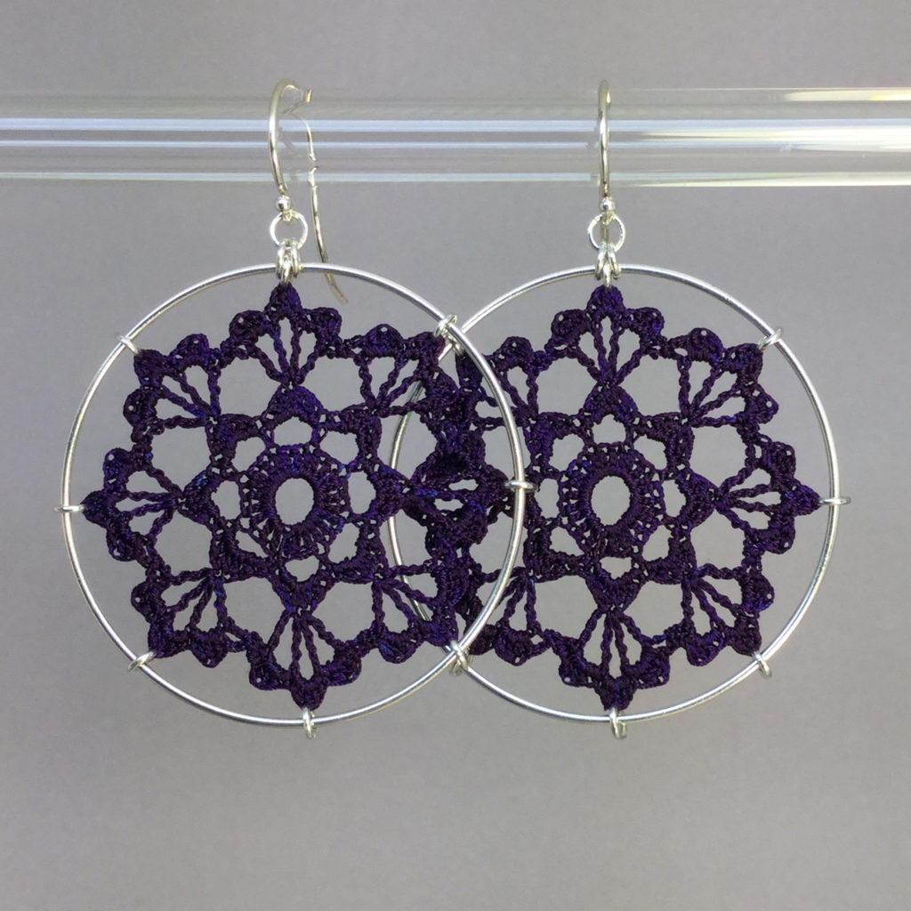 Scallops earrings, silver, purple thread