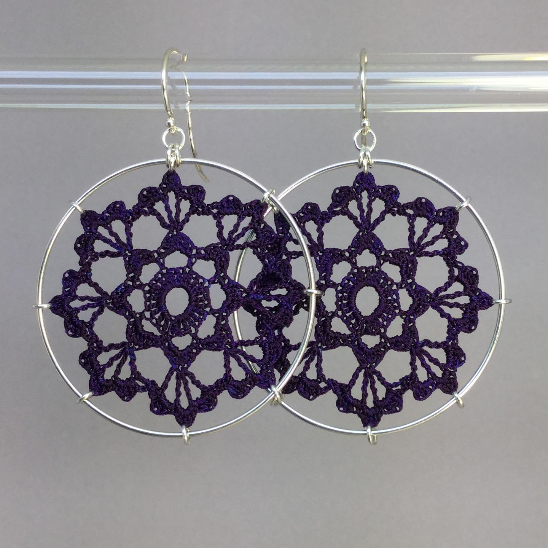 Scallops earrings, silver, purple thread