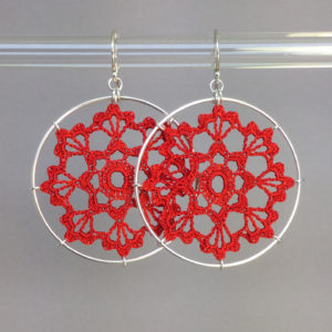 Scallops earrings, silver, red thread