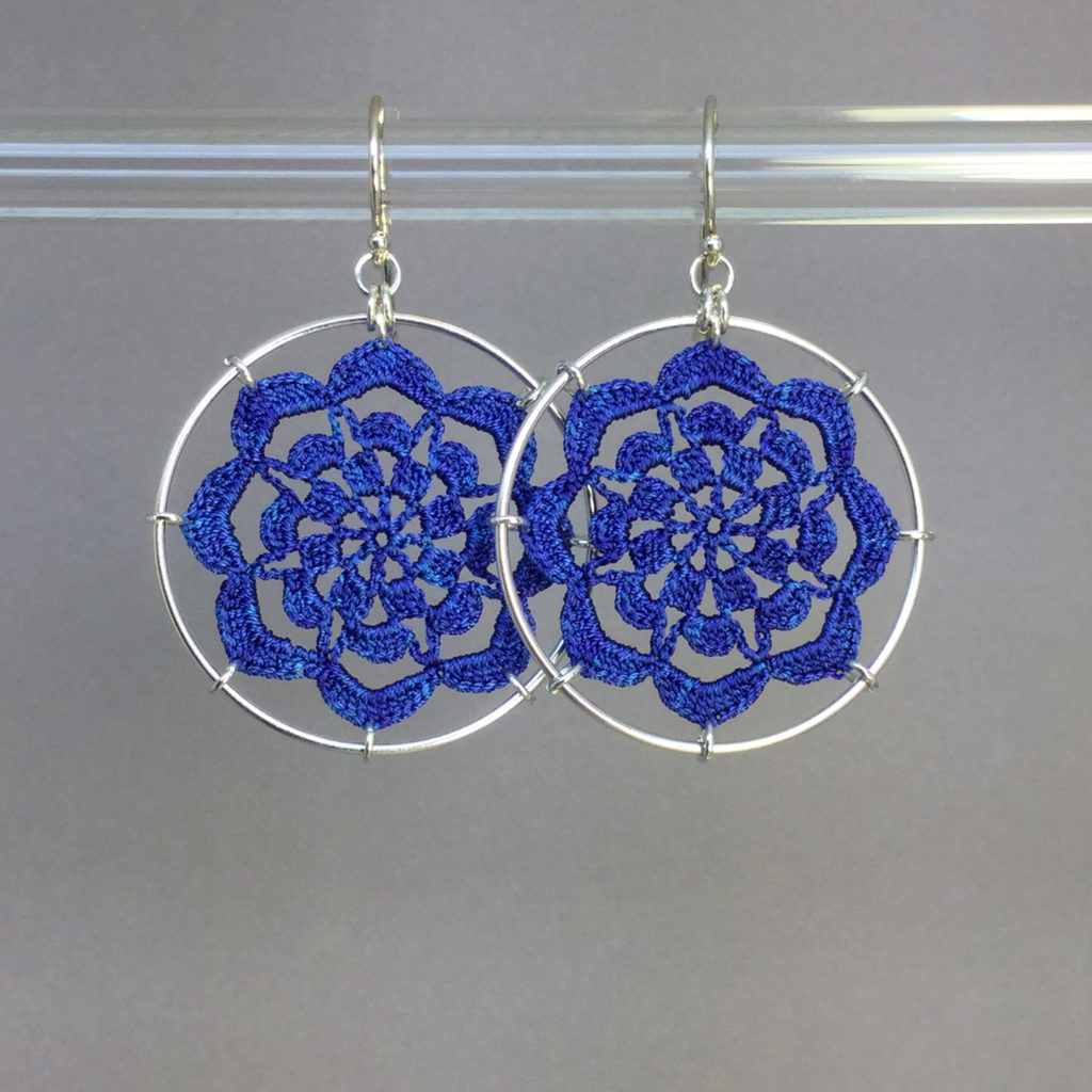 Serendipity earrings, silver, blue thread
