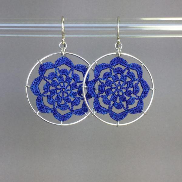 Serendipity earrings, silver, blue thread
