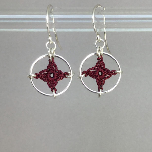 Spangles 1 earrings, silver, maroon thread