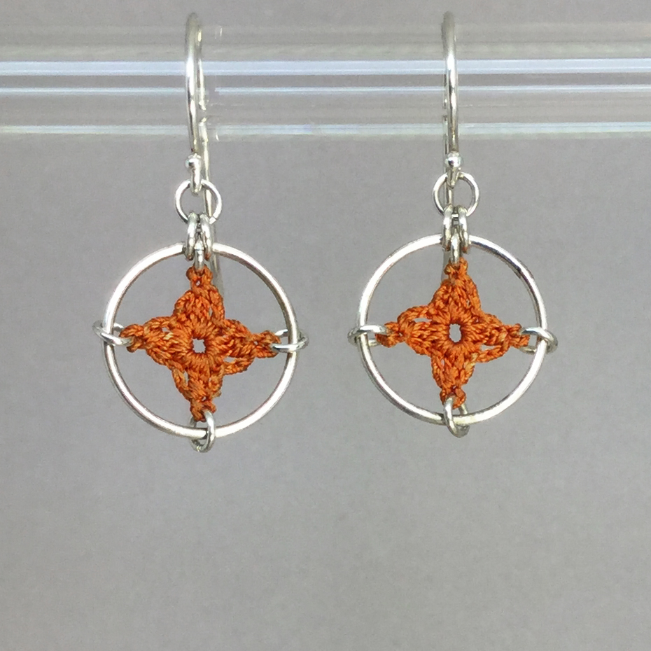 Spangles 1 earrings, silver, orange thread
