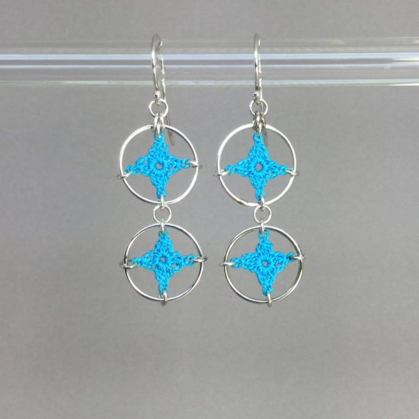 Spangles 2 earrings, silver, turquoise thread