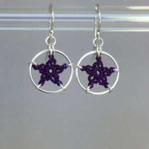 Stars earrings, silver, purple thread