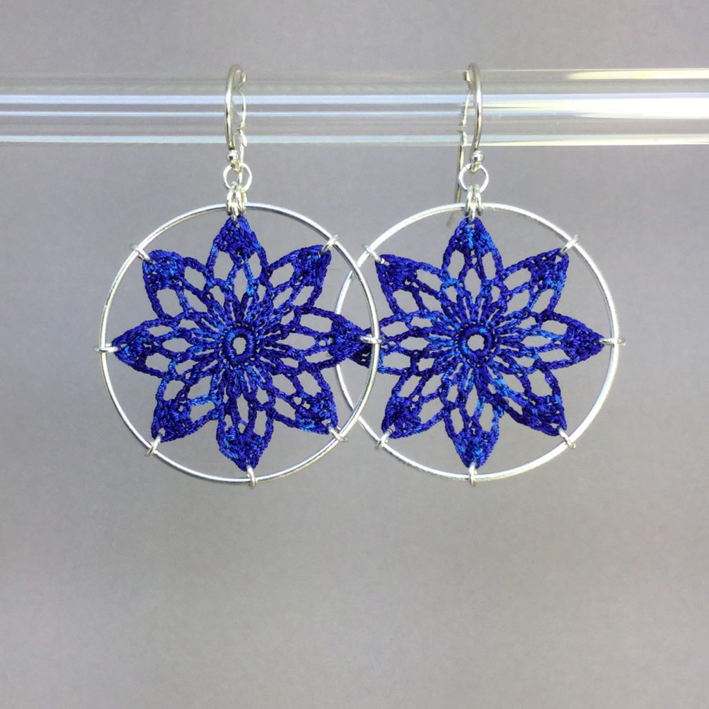 Tavita earrings, silver, blue thread