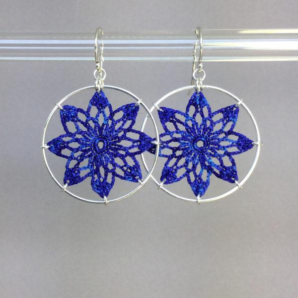 Tavita earrings, silver, blue thread