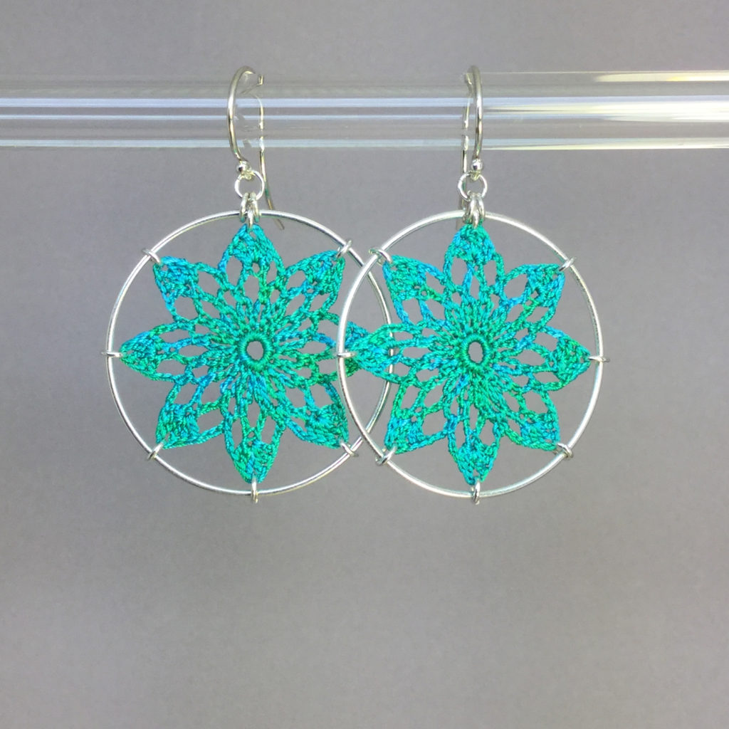 Tavita earrings, silver, shamrock green thread