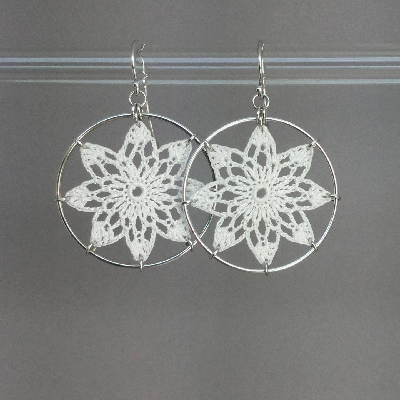 Tavita earrings, silver, white thread