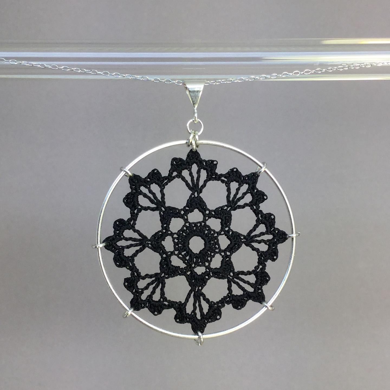 Scallops necklace, silver, black thread