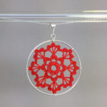 Scallops necklace, silver, red thread