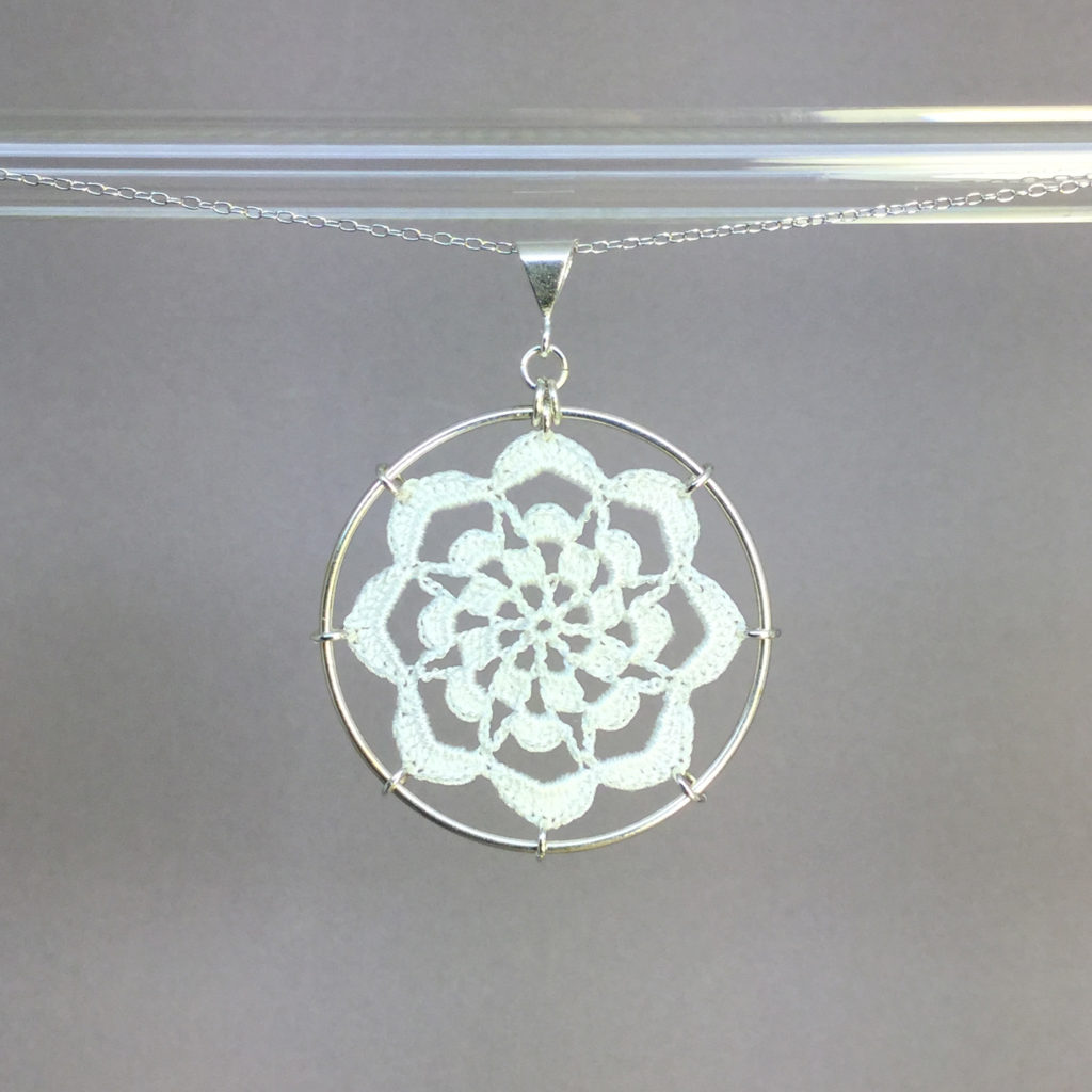 Serendipity necklace, silver, white thread
