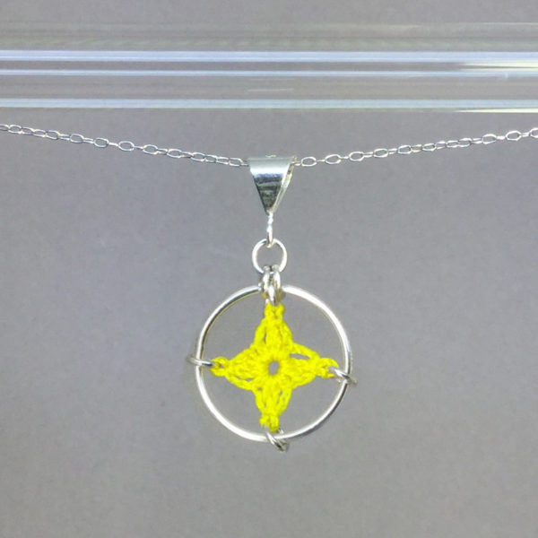 Spangles 1 necklace, silver, yellow thread
