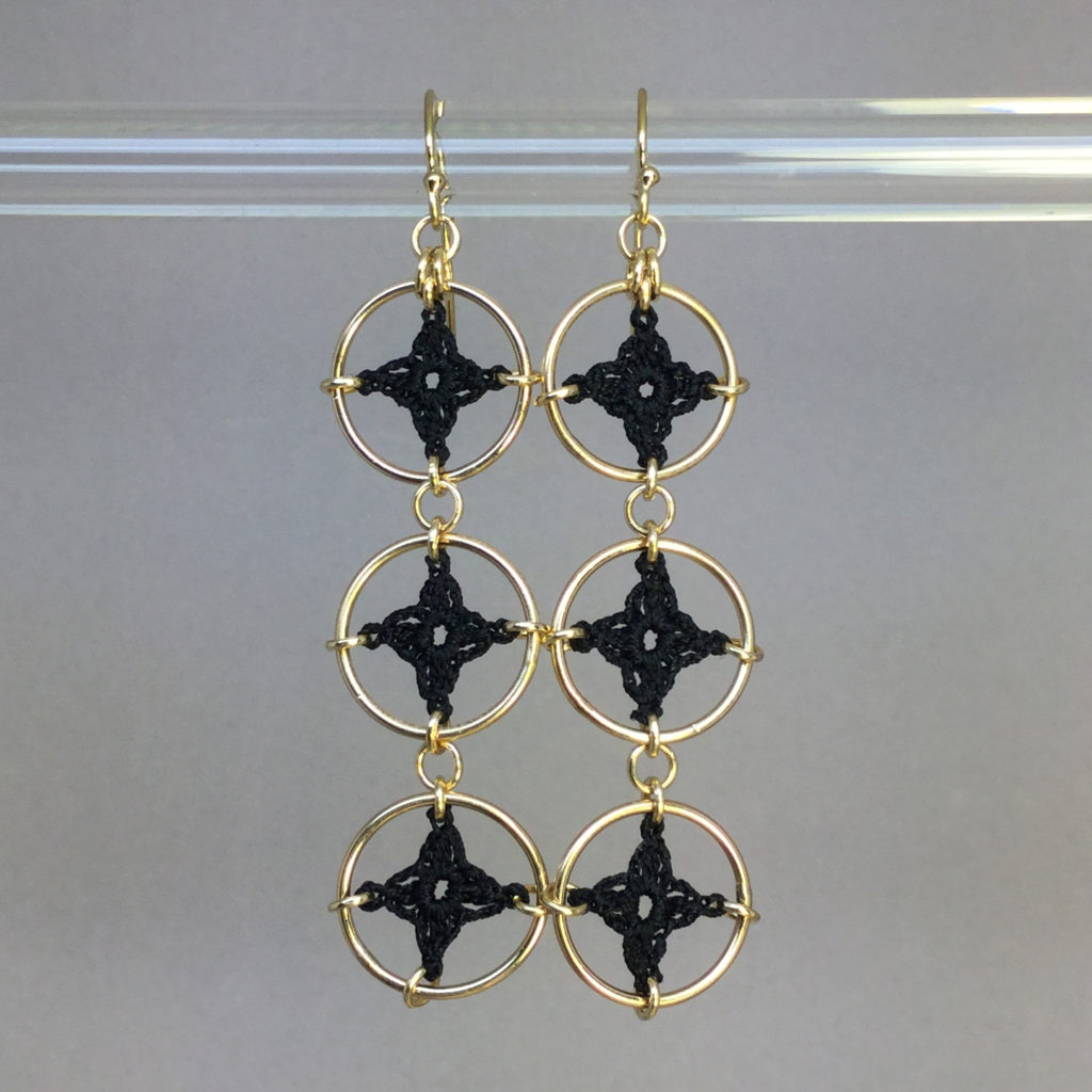 Spangles 3 earrings, gold, black