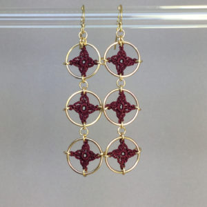 Spangles 3 earrings, gold, maroon thread