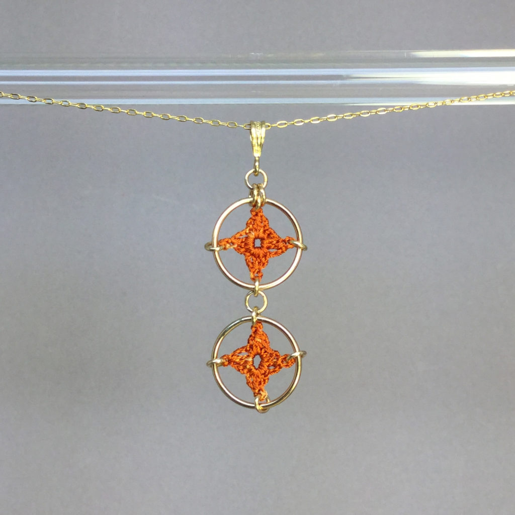 Spangles 2 necklace, gold, orange thread